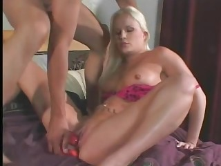 Saana toying her anal to the fullest banged hardcore deeply