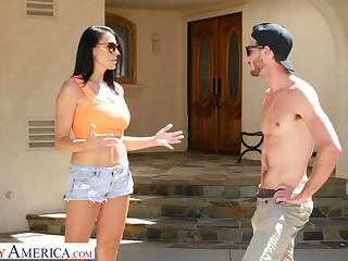 Young dude enjoys fucking mega big-busted friend's mommy Reagan Foxx