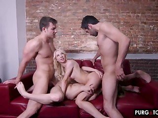 Game of Seductions Episode 3 close to Kenzie Reeves