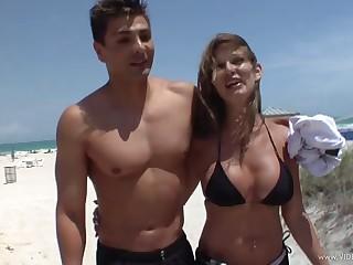 Cum swallowing slut in bikini takes a big cock in will not hear of cunt
