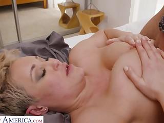 Divorced Mother Fucks Sprog Friend - Mr Big blonde mom Becca Jade gets cock between tits