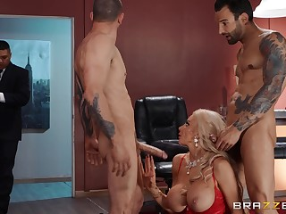 Needy blonde cougar in strong XXX triplet companionable